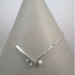 Srebrny naszyjnik z perłami AMOR